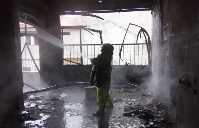 إخماد حريق منزل في مزبود.. زنجاة الأم وطفلها