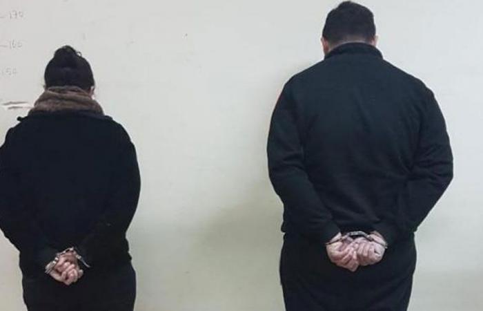 بالصورة: شاب وفتاة يروجان المخدرات في الحدث