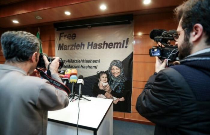 """ظريف يعتبر توقيف الصحافية هاشمي """"انتهاکا صارخا لحرية التعبير"""""""