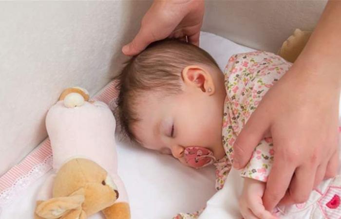 للأم الجديدة.. 5 أشياء يجب أن تعرفيها عن نوم المولود الأول