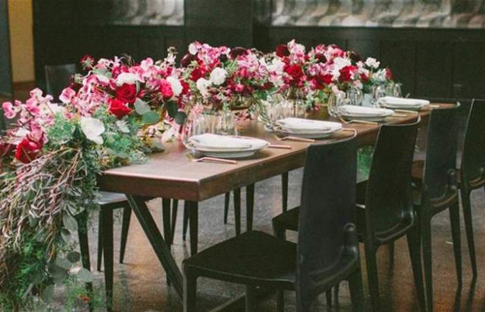 إستوحي نمط زهور الطاولات المناسب لزفافك (صور)