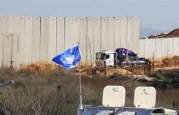 إسرائيل استأنفت تركيب البلوكات الإسمنتية في عديسة