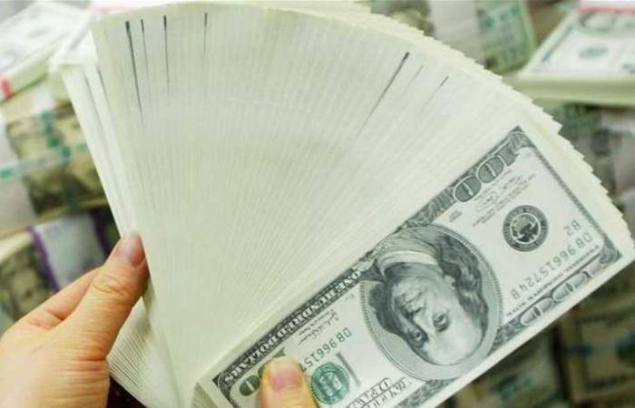 مفاجأة.. الدولار صوب أول زيادة في 5 أسابيع!