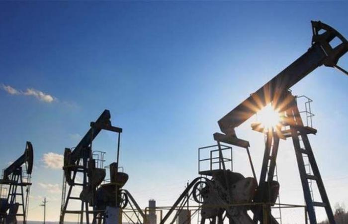 بدعم من 'أوبك'.. النفط العالمي يقفز 3%
