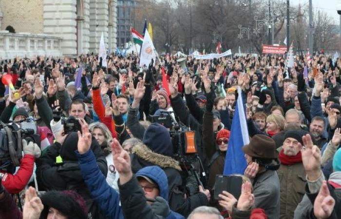 تظاهرات جديدة ضد رئيس الوزراء المجري