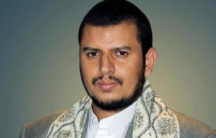 اليمن   صنعاء.. إيقاف 10 ضباط رفضوا مبايعة زعيم الحوثيين