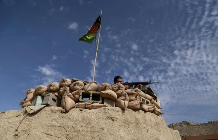 مقتل 12 شخصًا في هجوم لطالبان وسط أفغانستان