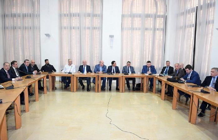 اجتماع عدد من النواب مع شركة بولندية متخصصة بالنفايات