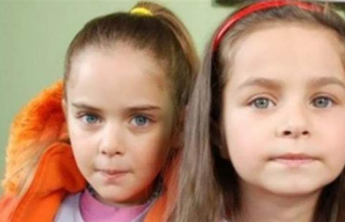 هل تذكرون طفلتي 'لحظة وداع'.. أصبحتا نجمتين احداهما من أصول عربية! (صور)