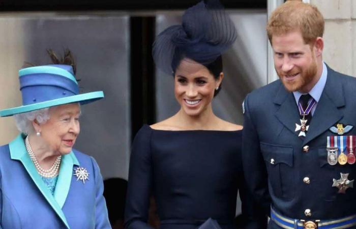"""هدية """"لا تقدر بثمن"""" من الملكة إليزابيث للأمير هاري"""