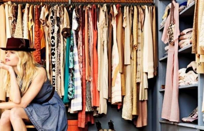 بحسب علم النفس.. لماذا لا نرتدي النساء الملابس نفسها مرتين؟
