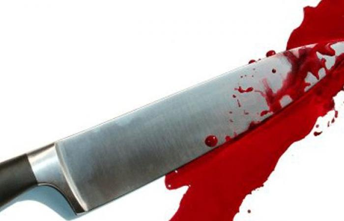 بسبب خلافات شخصية… هاجماه طعناً بالسكين على وجهه