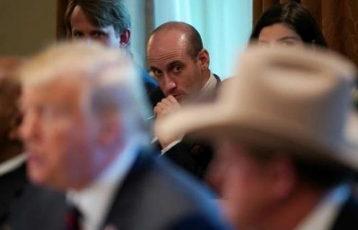 """مستشار لترمب يتوقع بناء """"مئات الأميال"""" من الجدار الحدودي بحلول 2020"""