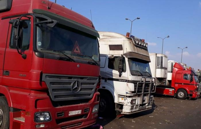 مالكو الشاحنات جنوبا: لفتح الكسارات والا الشارع