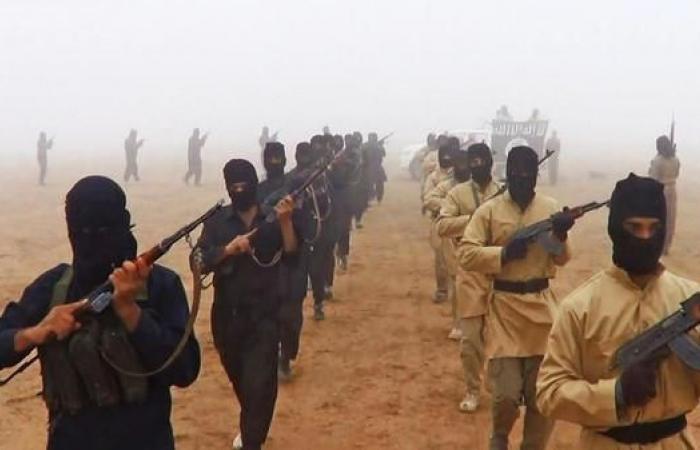 العراق   من سوريا للعراق..مسلحو داعش يتسللون تمهيدا لمعركة جديدة