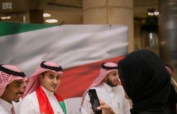 الخليح   بالصور.. مطار الملك خالد يحتفي باليوم الوطني الكويتي