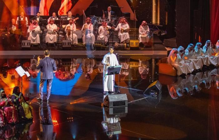 الخليح   تركي آل الشيخ يرعى حفل بلفقيه ويعلن عن معهد للموسيقى