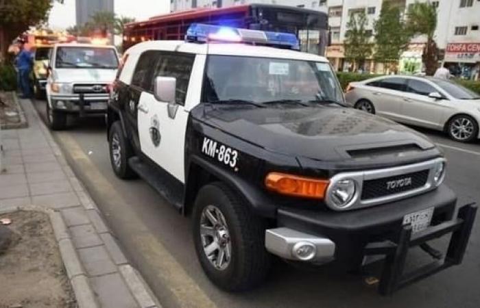 الخليح | ضبط أفغانيين سرقا 700 ألف ريال من عملاء بنوك في جدة