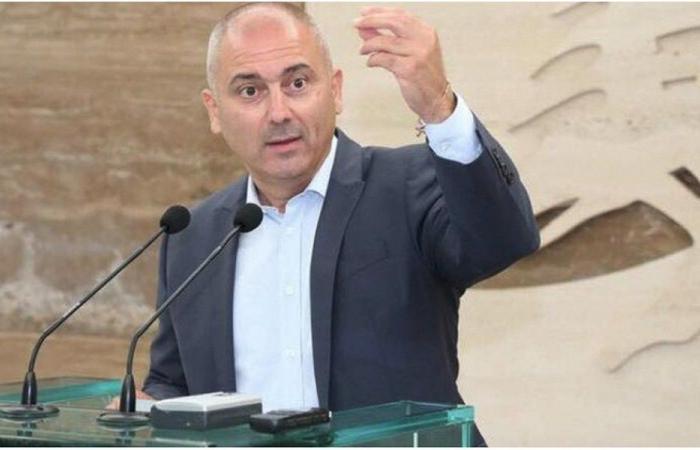 محفوض: البعض يبحث عن هوية أجنبية في حين توزع الجنسية اللبنانية على أغراب