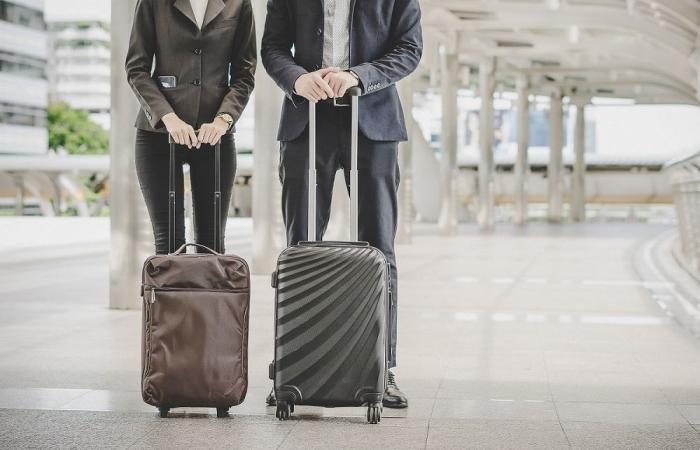 10 نصائح تساعد رجال الأعمال على تأمين بياناتهم أثناء السفر