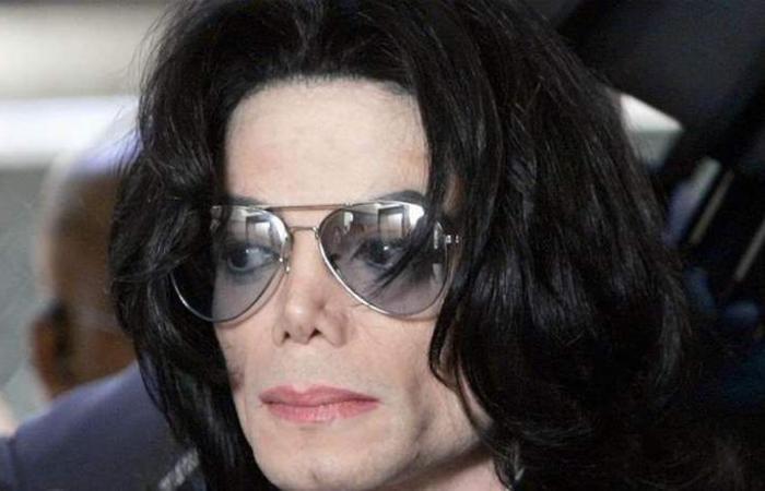 'الزّوج الطّفل' لمايكل جاكسون يعرض دليل إدانته! (صورة)