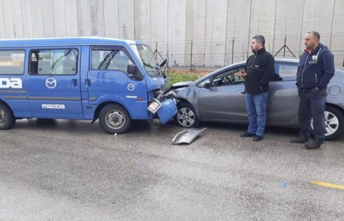 4 جرحى بحادث سير على طريق كفركلا