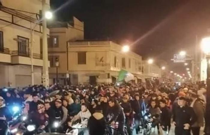 تظاهرات في الجزائر بعد ترشح بوتفليقة للرئاسة