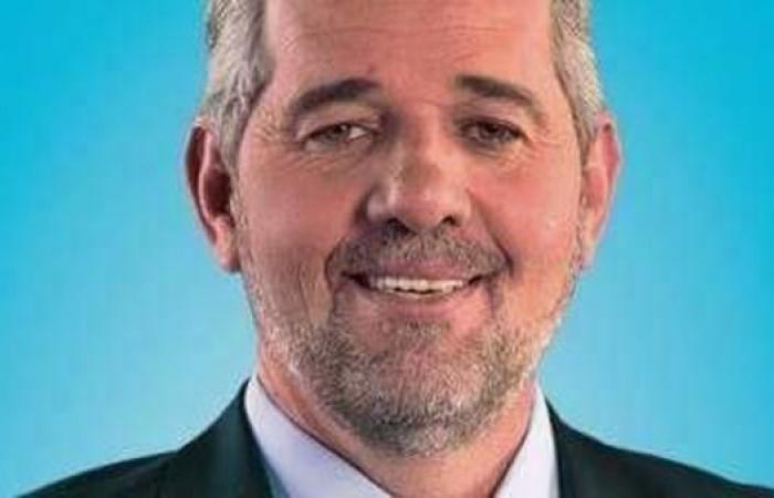 الجزائر.. وزير سابق بحزب بوتفليقة يستقيل من البرلمان