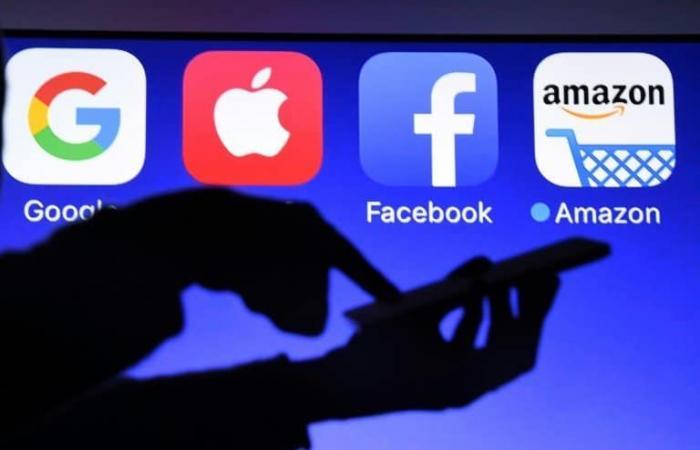فرنسا تعتزم فرض ضريبة 3 في المئة على شركات الإنترنت