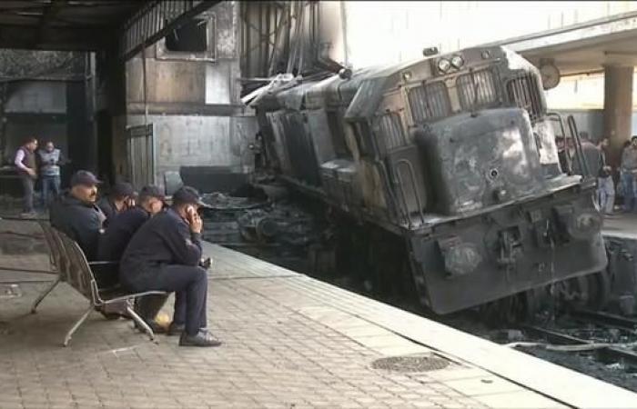 مصر   بعد مأساة القاهرة.. خروج قطار عن مساره في الإسكندرية