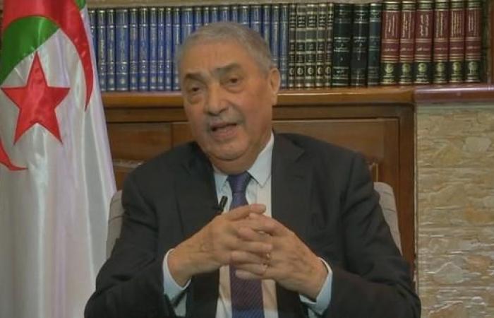 بن فليس: ترشح بوتفليقة سيشعل الجزائر