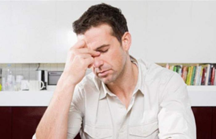 للنساء: الرجال يمرّون بأزمة منتصف العمر.. هذه أعراضها