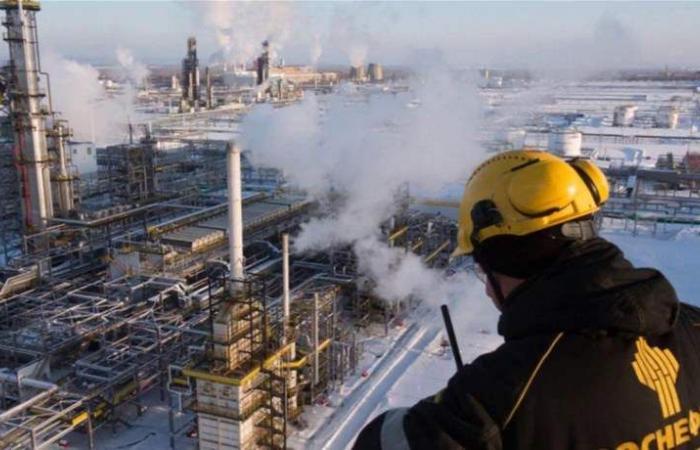 شركة روسية مستعدة لزيادة إنتاج النفط إذا انتهى اتفاق 'أوبك'