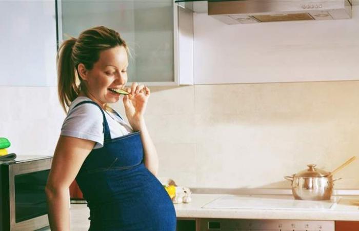تحذير.. لا تتناولي الأطعمة المعلّبة خلال الحمل