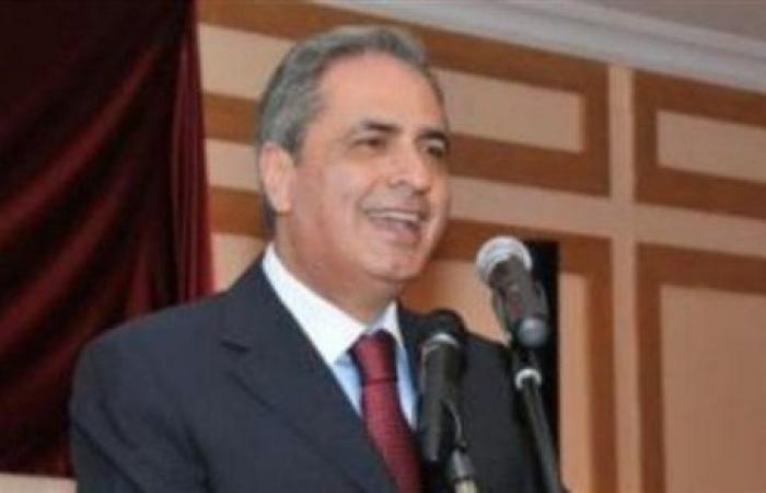 عبد العزيز مستشاراً في مكتب الحريري