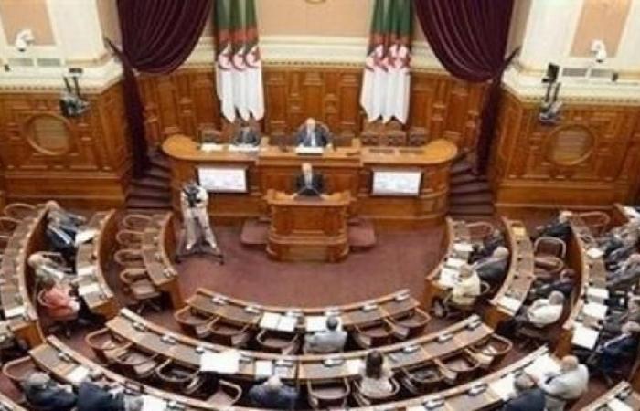 حزب جزائري يسحب نوابه من البرلمان بسبب ترشح بوتفليقة