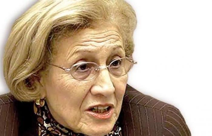 المجاهدة زهرة ظريف بيطاط تلتحق بحراك الشارع ضد بوتفليقة
