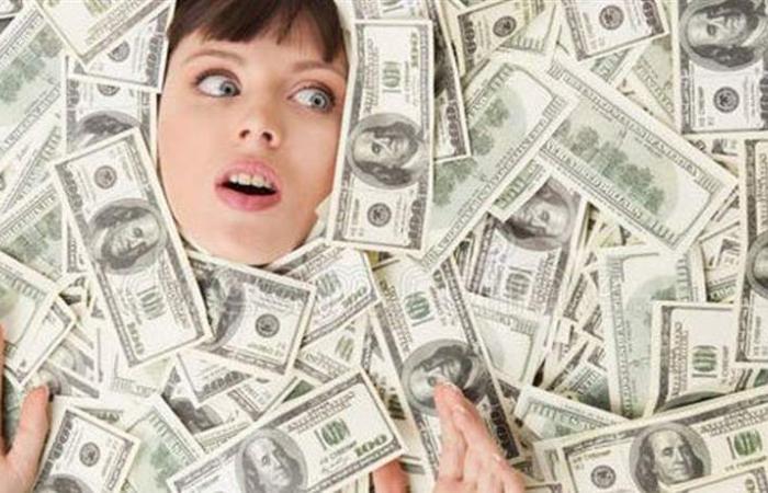 أبراج تفضّل المال على الحبّ.. احذريها!