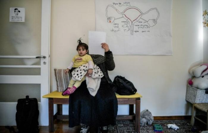 وفاة طفلين على أثر غرق زورق للمهاجرين قبالة سواحل اليونان