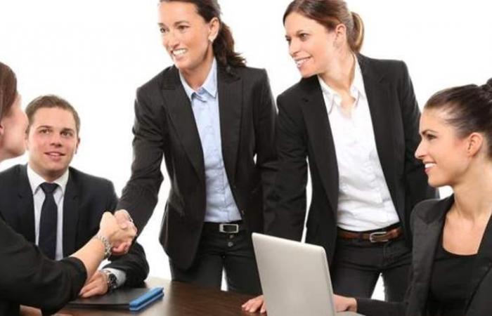 كيف تساهم الاسواق المالية بتعزيز التمكين الاقتصادي والمالي للمرأة؟