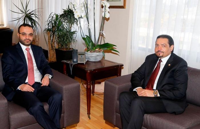 داوود بحث مع سفير قطر في سبل التعاون