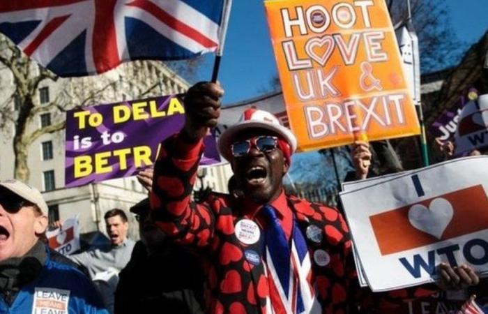 """نائبان بارزان من البريكسترز: تأخير الخروج سيكون """"كارثة سياسية"""" لبريطانيا"""