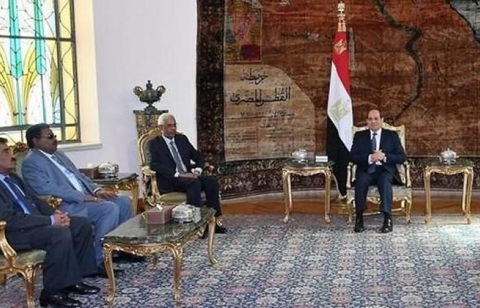 مصر   السيسي يستقبل نائب البشير ومدير مخابراته وهذا ما ناقشوه
