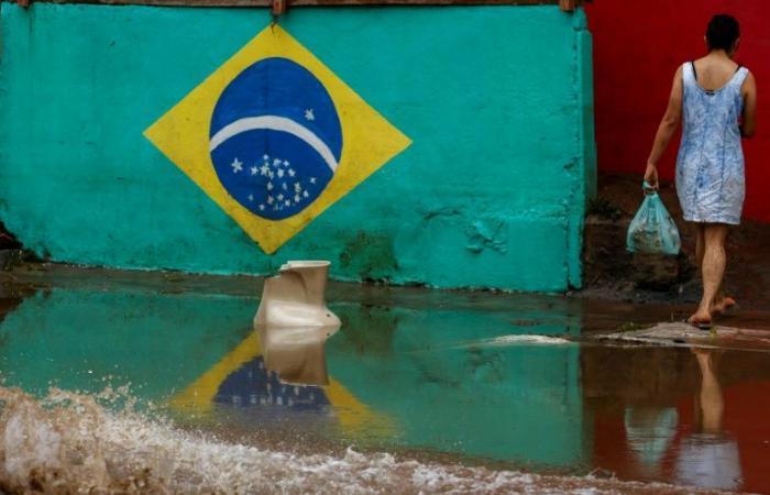 12 قتيلًا جراء فيضانات في البرازيل