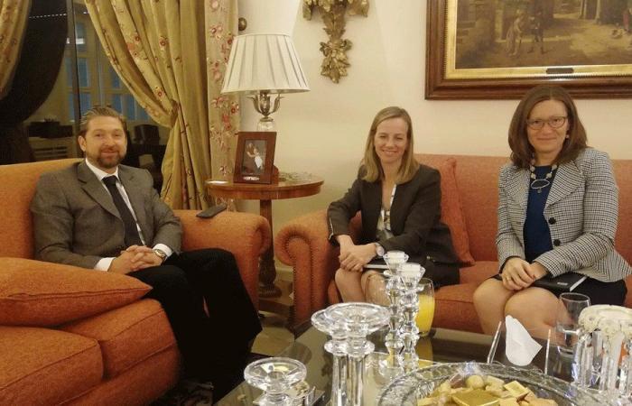 كرامي يلتقي المستشارة السياسية في السفارة الكندية