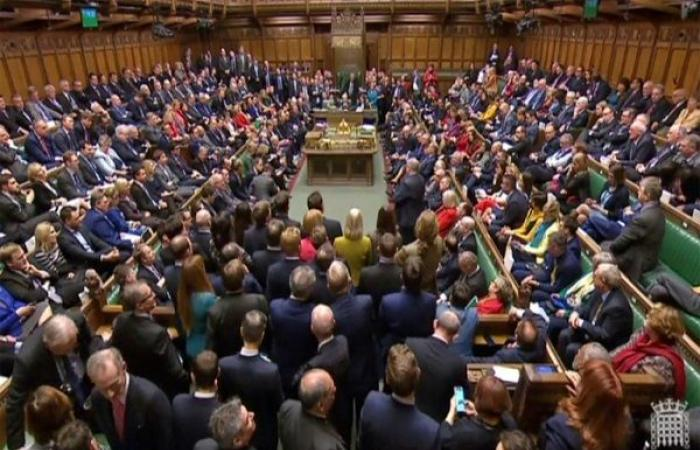 برلمان بريطانيا يصوت ضد الخروج بلا اتفاق من الاتحاد الأوروبي بغالبية ضئيلة
