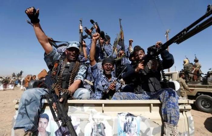 اليمن   صنعاء.. الحوثيون يجبرون التجار على دعم جبهاتهم القتالية
