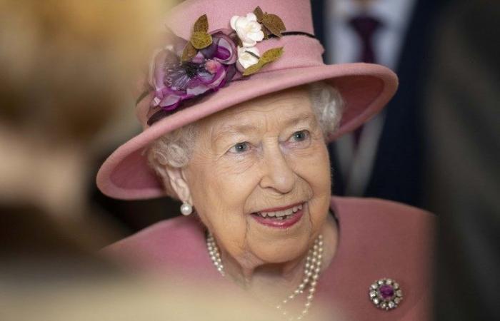 الملكة إليزابيث الثانية تطيح بتطلعات نجلها تشارلز