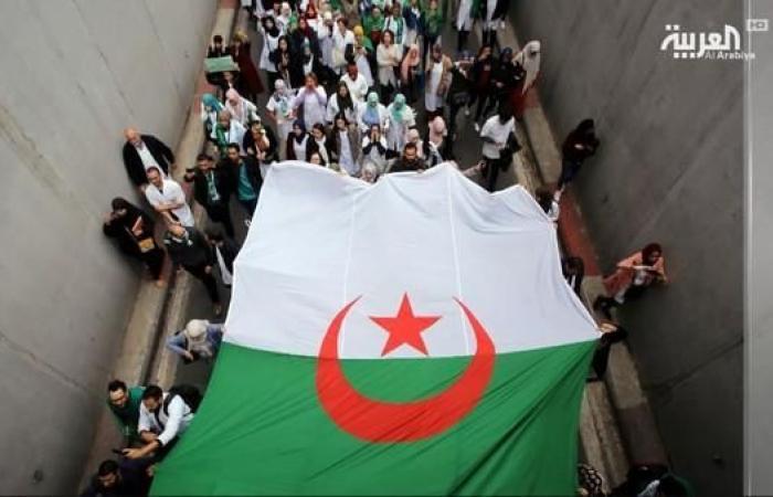 على ماذا تنص المادة 102 من الدستور الجزائري التي طالب رئيس الأركان بتفعيلها؟