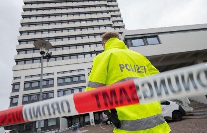 اخلاء مباني بلديات في أنحاء المانيا بعد تهديدات بوجود قنابل